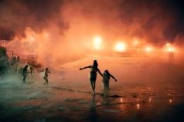 L'épiphanie orthodoxe, fin janvier, se célèbre traditionnellement par un bain des fidèles dans le lac de Norilsk. Cette cérémonie religieuse regroupe de nombreux habitants bravant le froid pour se baigner, mettant en exergue la relation particulière des habitants de Norilsk avec le froid et la neige.