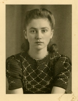 My grandmother 1938, 18 years old – © Sarah Pabst