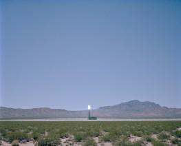 USA, Nevada: Ein Solarzellenfeld in der WÜste sammelt Energie. Bilder eines Landes, dass uns so fremd und doch so nah scheint. Fotografiert auf einer Reise durch 22 Bundesstaaten durch die USA im Jahr 2015 und 2016. FOTO: Mario Wezel