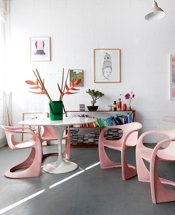 blush pink dining room via Burritos & Bubbly