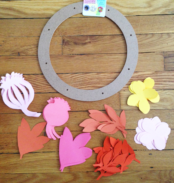 DIY paper flower wreath | Burritos and Bubbly