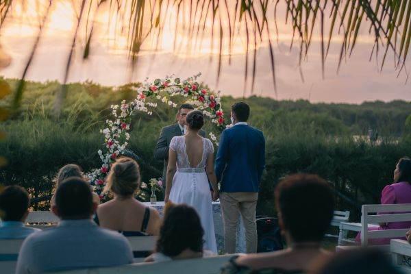 TRAVELMINIT.RO: Turismul de nuntă, un trend care a luat amploare în pandemie - 29.09.2021   BURSA.RO