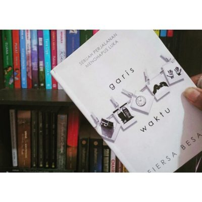 review novel garis waktu karya fiersa besari