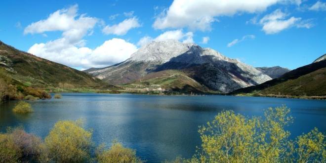 Lago en Fuentes Carrionas