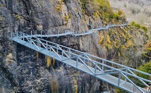 Pasarela y puente. Turismo Panticosa