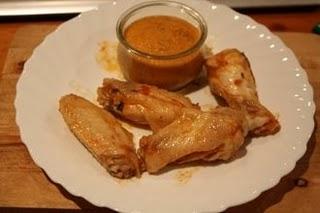 Pollo con salsa de verduras en olla a presión