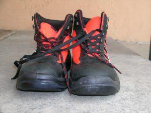 feet metal toe