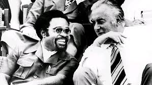 Gough Whitlam and a young Michael Somare at Independence celebrations. Credit: Whitlam Institute.