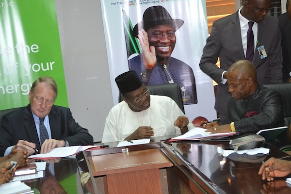 Solar Energy: Schneider Electric Partners Naptin To Train 50 Women, Men Electricians In Lagos