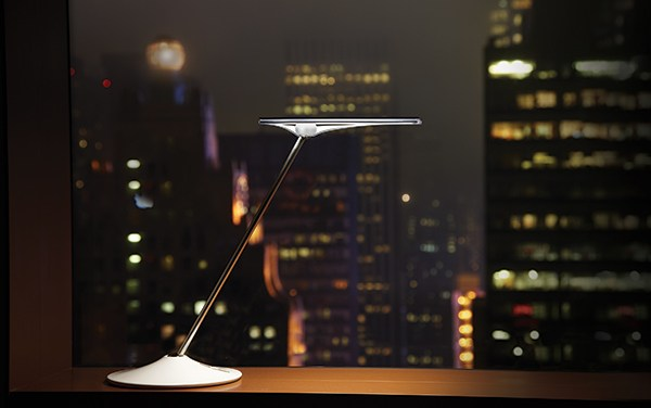 DeskLife: Humanscale Horizon Lamp