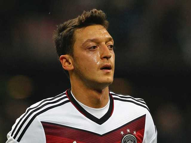 No. 18 Mesut Özil