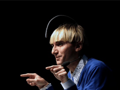 This man visualizes colors using antenna in his head-tnilive science and technology
