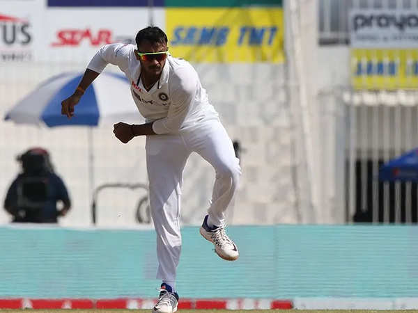 3rd Test: Axar Patel takes six wickets as India bowl out England for 112 | Business Insider India