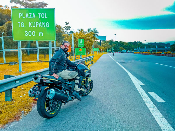 Great Independence Day Ride: 5 friends, 5 borders, 5000 km and freedom passion