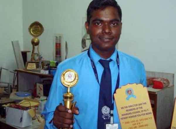Success Story of IAS Officer Varun Barnwal