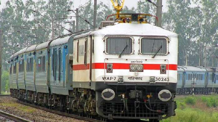 71 new trains will run from April 5, book from mobile without going to ticket counter Train Ticket
