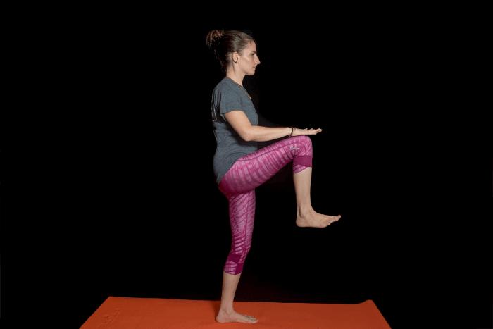 Slow Knee-ups