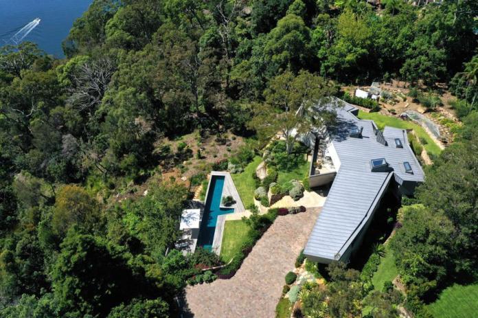 aerial view of sculptural modern estate 25 Neerim Road Castle Cove, Sydney, Australia