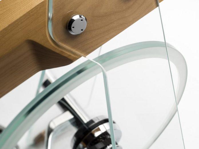 Close-up of glass flywheel on Fuoripista bike