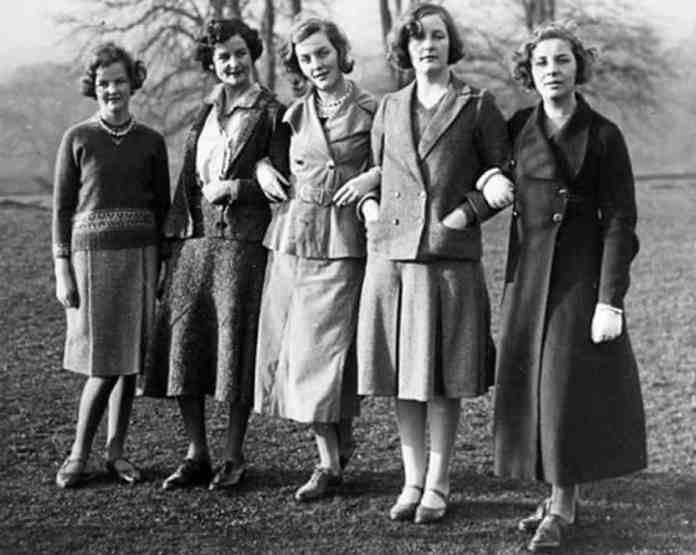 Jessica, Nancy, Diana, Unity and Pamela Mitford in 1935