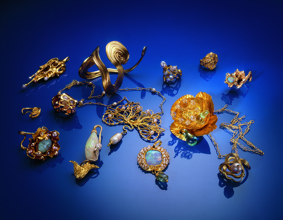 Sensuously sculpted 18-karat gold jewels by Danish goldsmith and sculptor Arje Griegst