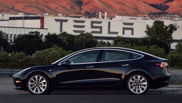 Green Car Reports >> Tesla Safety Ford Plug Ins Electric Car Myths Smart Exit The