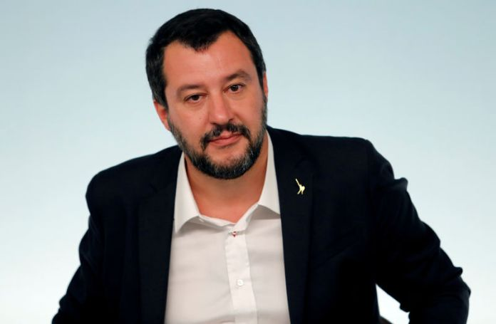 © Reuters. FILE PHOTO: Interior Minister Matteo Salvini attends a news conference after a cabinet meeting at Chigi Palace in Rome
