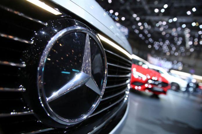 © Reuters. FILE PHOTO: 89th Geneva International Motor Show in Geneva