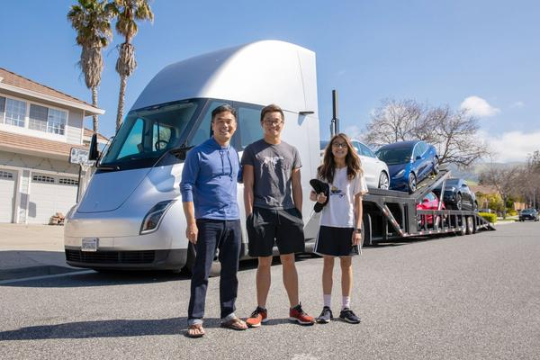 Tesla customer gets his vehicle delivered by the Tesla Semi Truck