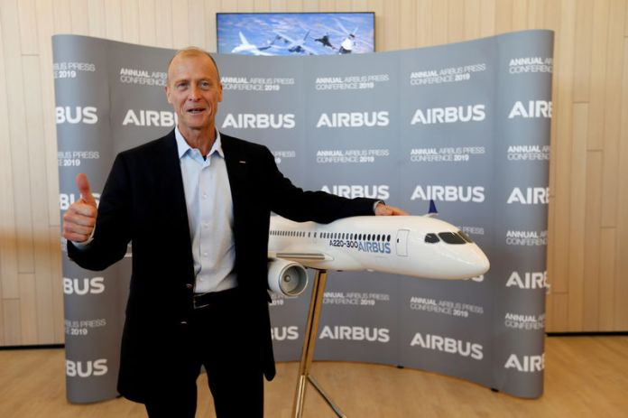 © Reuters. FILE PHOTO: Airbus CEO Tom Enders poses during the company's annual results news conference in Blagnac