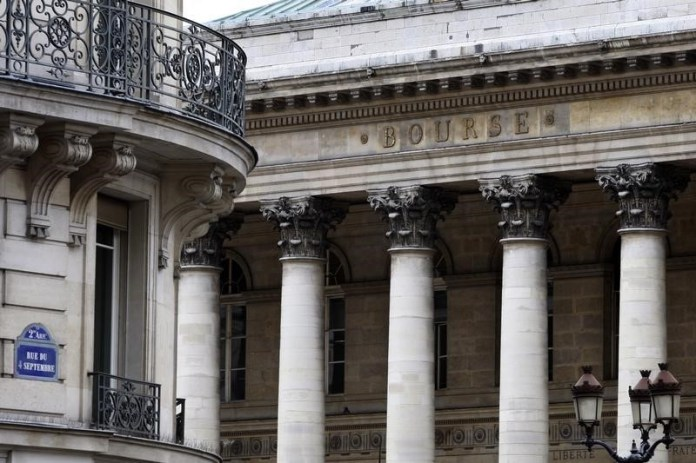 © Reuters.  France shares higher at close of trade; CAC 40 up 1.37%