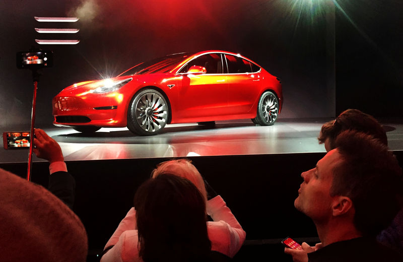 © Reuters. A Tesla Model 3 sedan is displayed during its launch in Hawthorne