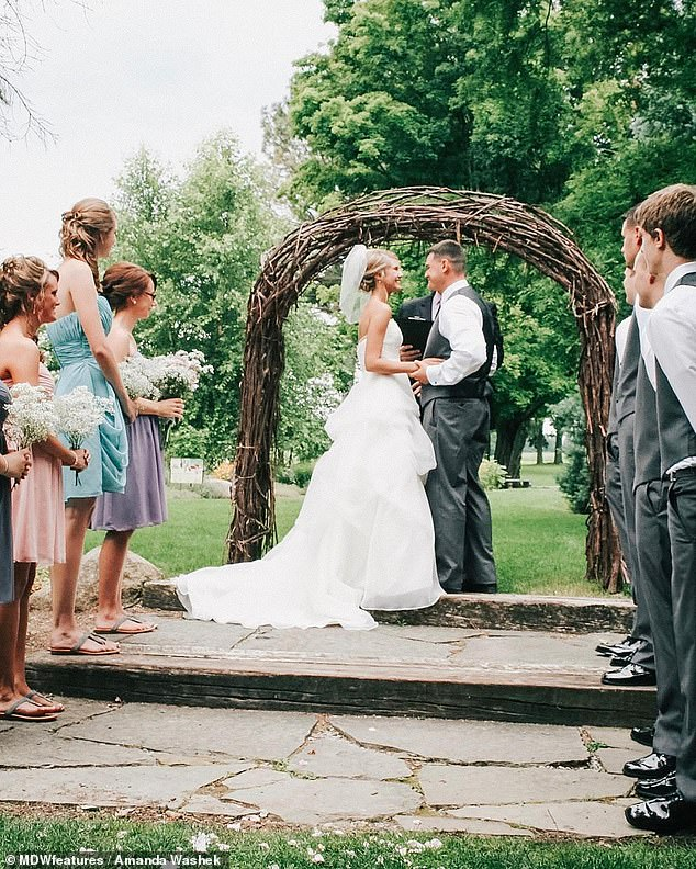Amanda and Justin on their wedding day in 2013