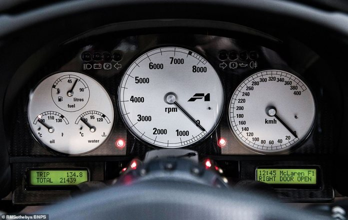 According to the odometer, the car has covered just 21,439km, which is around 13,320 miles