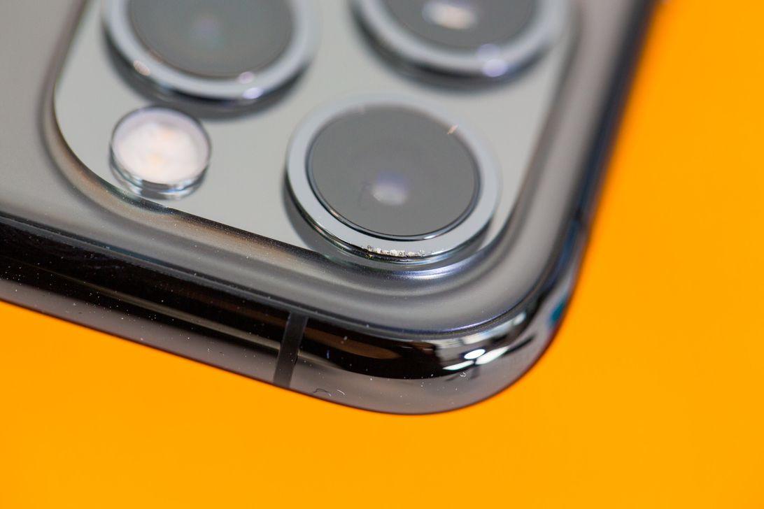 apple-iphone11-drop-test-1