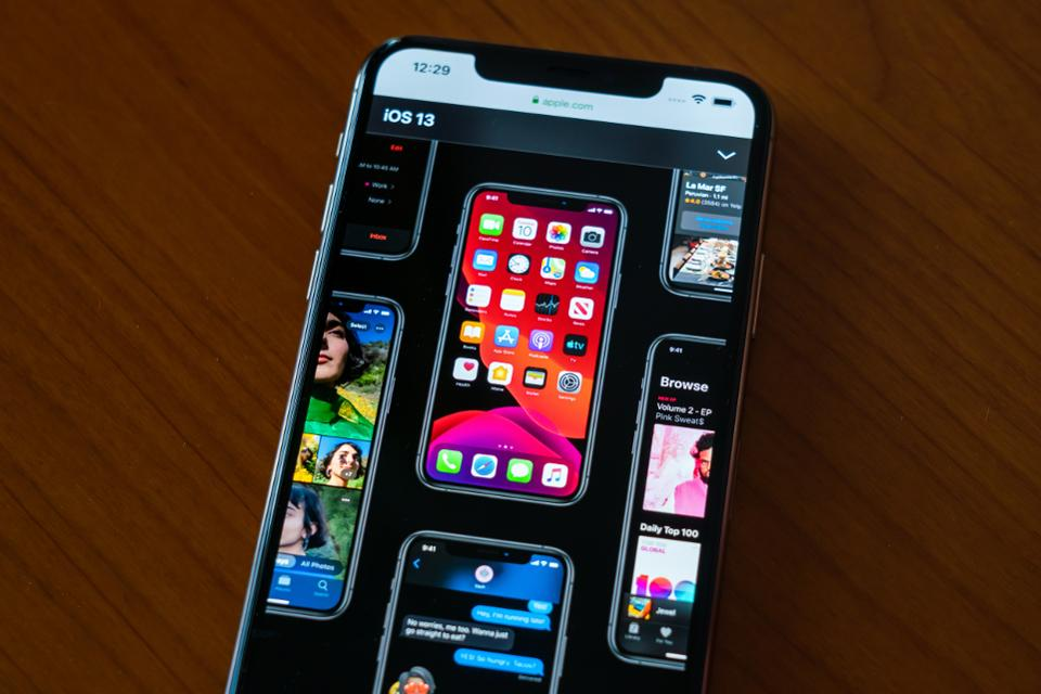 iPhone iOS 13 display