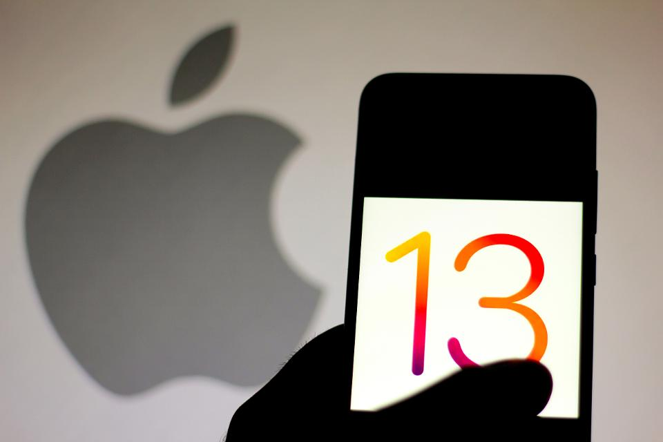 Sign-in-with-Apple-iOS-13