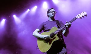 Tom Gray of Gomez performs on stage in Glasgow.