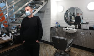 .City of London Kevin Goodman, acting manager at Blades, haircutters near Leadenhall Market London 16-12-2020 Photograph by Martin Godwin.