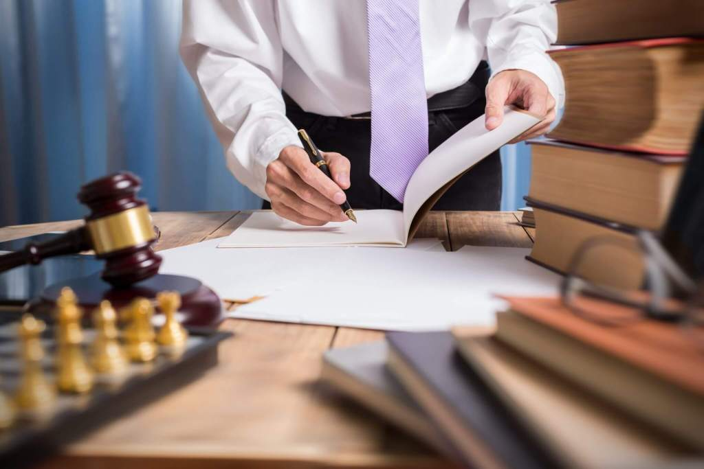 Top 3 Important Reasons You Need An Employment Law Attorney
