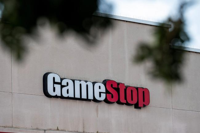 © Bloomberg. Signage on a GameStop store in Richmond, California, U.S., on Wednesday, Jan. 27, 2021. GameStop Corp.'s breathtaking ascent showed no sign of slowing Wednesday, with bullish day traders keeping the upper hand over short sellers who started to capitulate. Photographer: David Paul Morris/Bloomberg