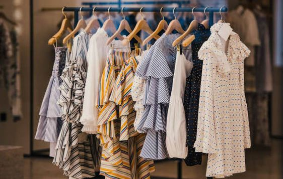 How Buying from a Wholesale Clothing Store is Best for Your Pocket