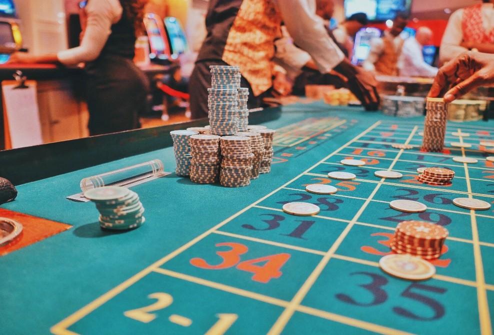 UK Online Gambling Revenue and Statistics 2020-2025
