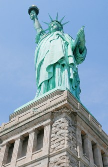 tips for tourists visiting New York - statue of liberty