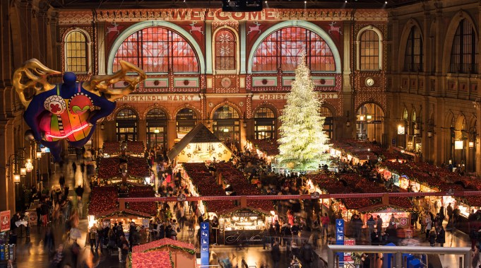 10 Must-Visit Christmas Markets Around the World for Foodies Zurich christkindlimarkt