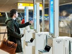 Schiphol start proef voor boarden met gezichtsherkenning