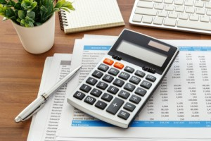 how to use an accounting calculator