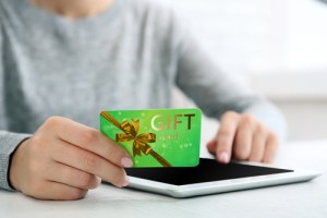 how to check amazon gift card balance