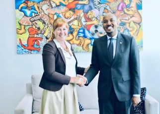 Somaliland Ambassador to Kenya Omar bashe Awil with Ireland Ambassador to Kenya Lisa Doherty when the two met in nairobi on Wednesday.