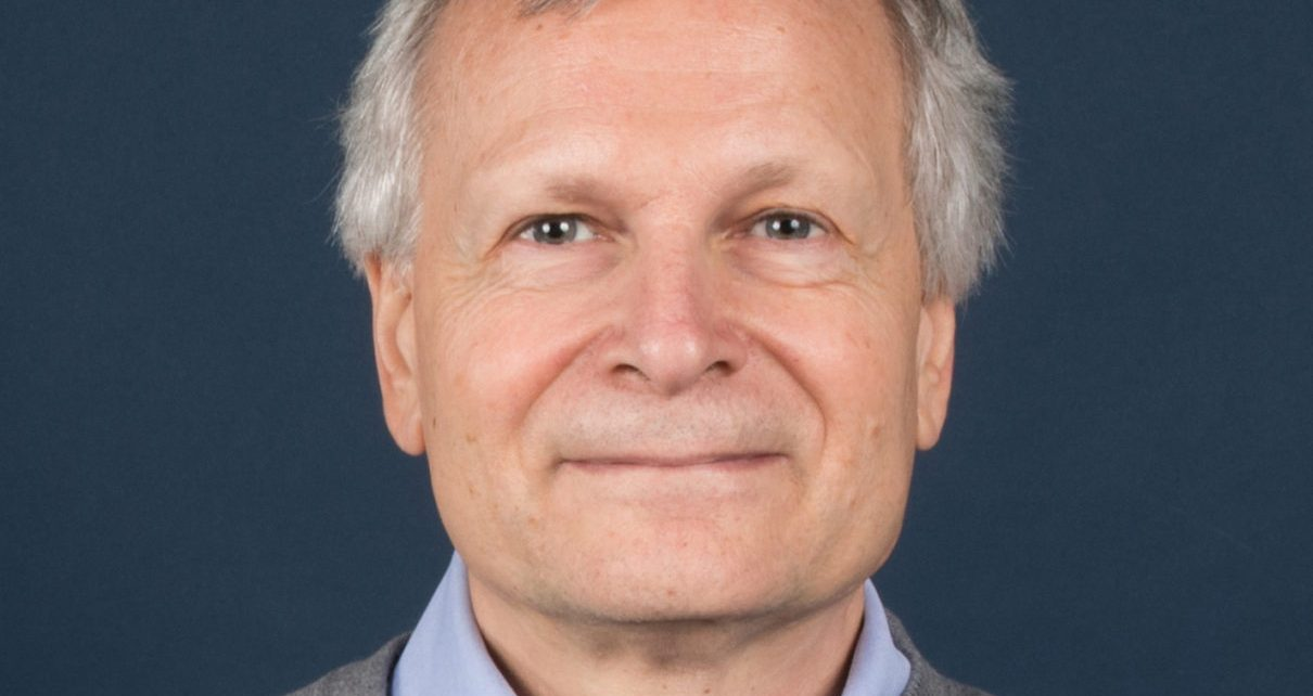 Dani Rodrik, Professor of International Political Economy at Harvard University's John F. Kennedy School of Government, is the author of Straight Talk on Trade: Ideas for a Sane World Economy. Charles F. Sabel is Professor of Law at Columbia University.